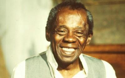 Homenaje a Sebastião Bernardes de Souza Prata.